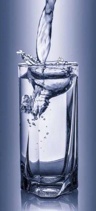 Минеральную воду не рекомендуется употреблять длительное время